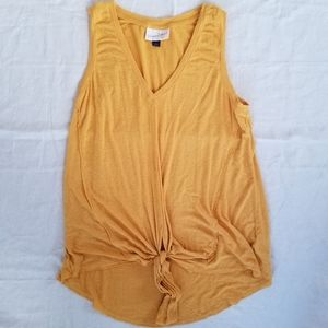 💕5/25$ Universal Thread Mustard V Neck Tank